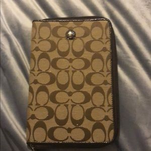 Coach tablet cover for small tablet